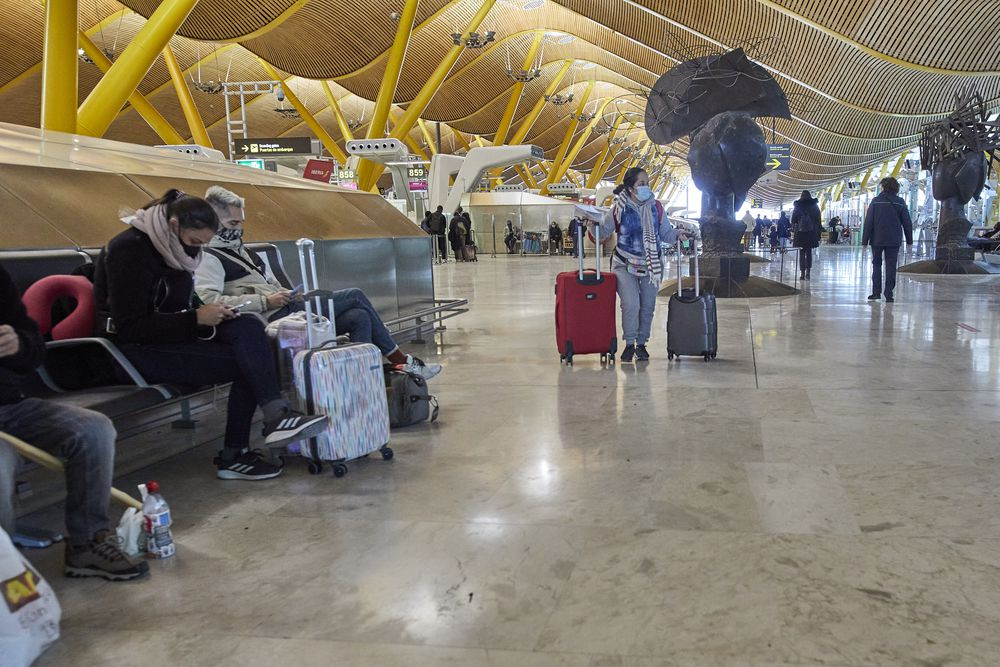 Passenger traffic at airports returns to 1990 levels |  Economy