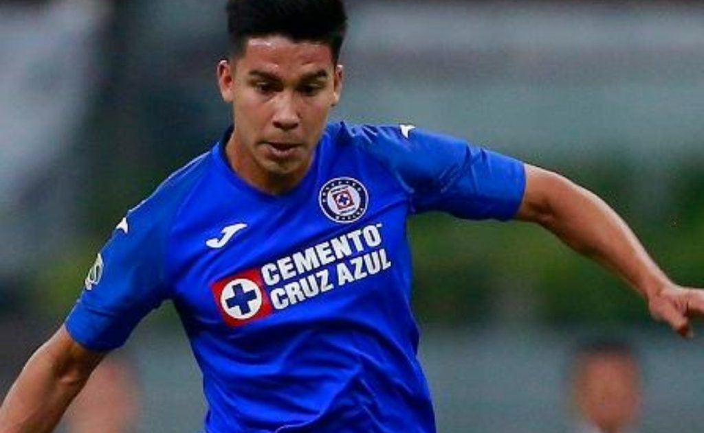 Paul Fernandez does not want to play with Cruz Azul.  He wants to get back in the race
