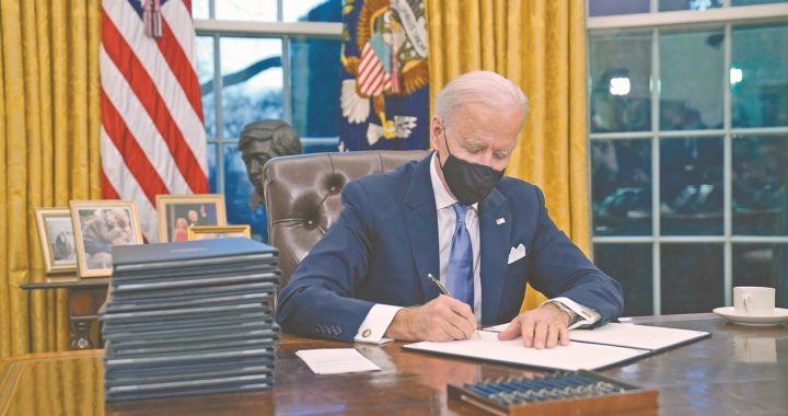 The 17 actions that Biden approved on his first day as President of the United States