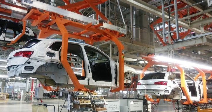 The economy extends time for 11 car manufacturers to comply with T-MEC