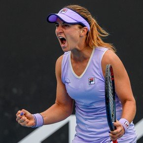 Nadia Podorowska is steadily ahead in Melbourne: she beat Minin and qualified for the Round of 16