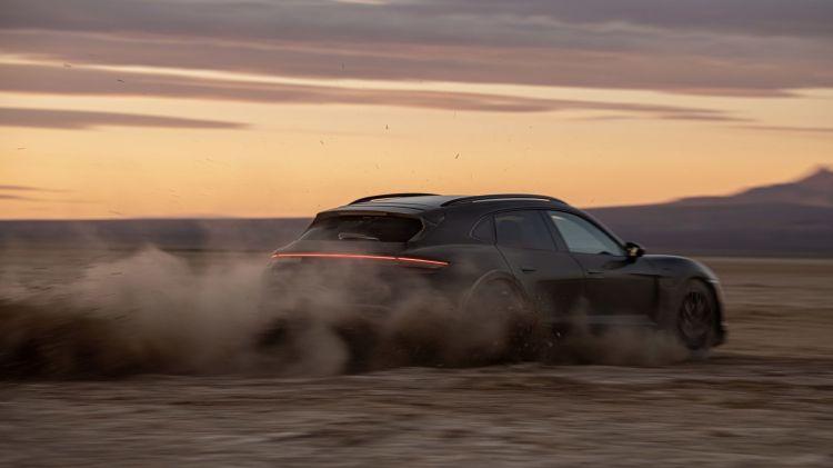 Porsche Taycan Cross Turismo 2 tests