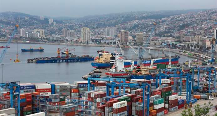 Global trade in services decreased by 24% from July to September