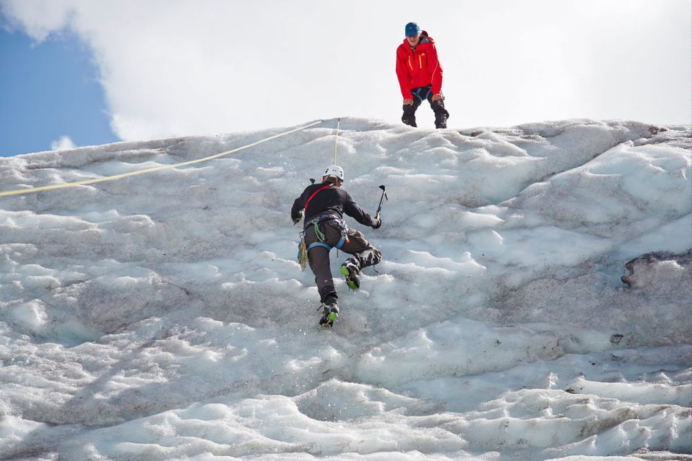 Stop eating to climb  Mountaineer |  Sports