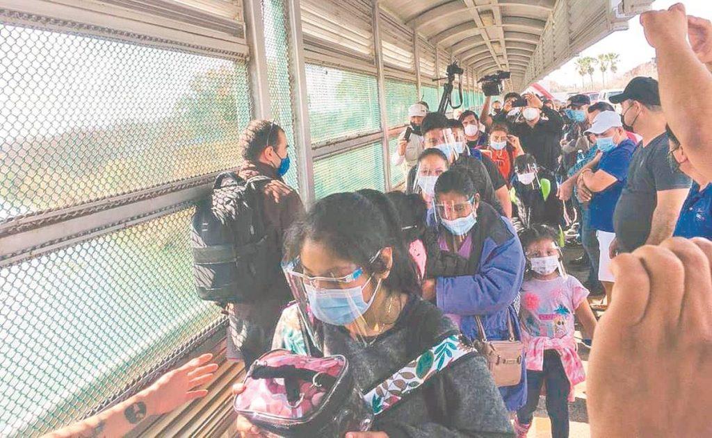 Piden a migrantes no saturar campamento de Matamoros