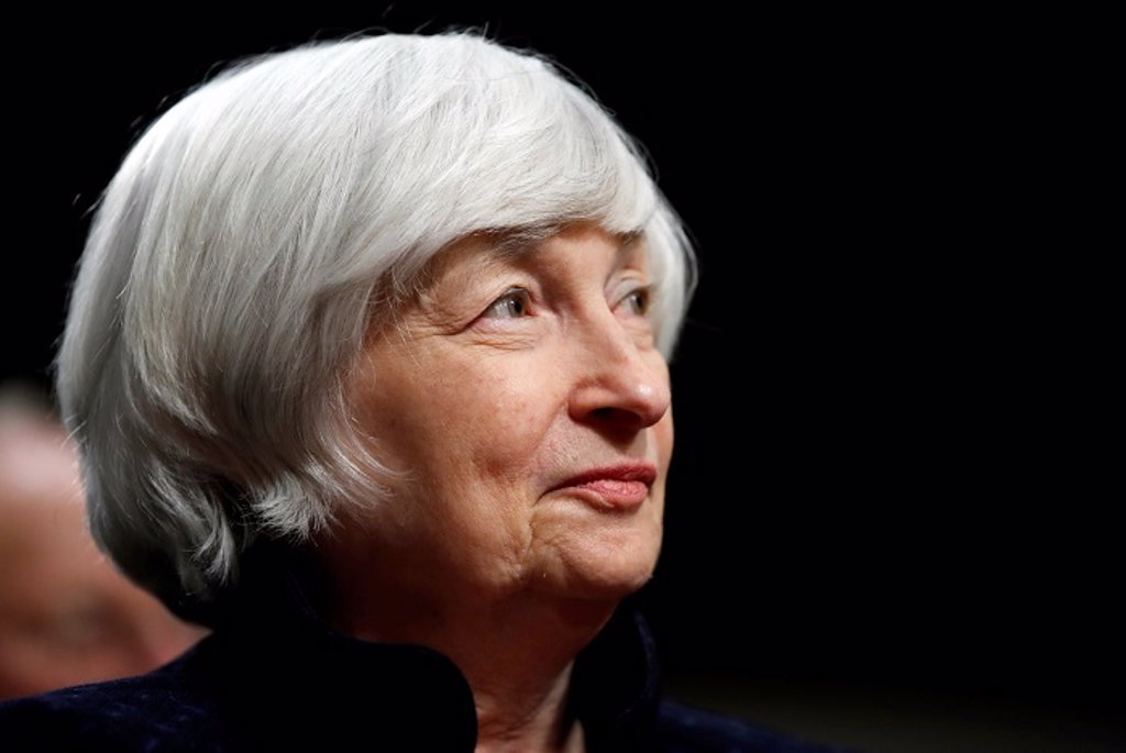 "Yellen considers bitcoin ""extremely ineffective"""