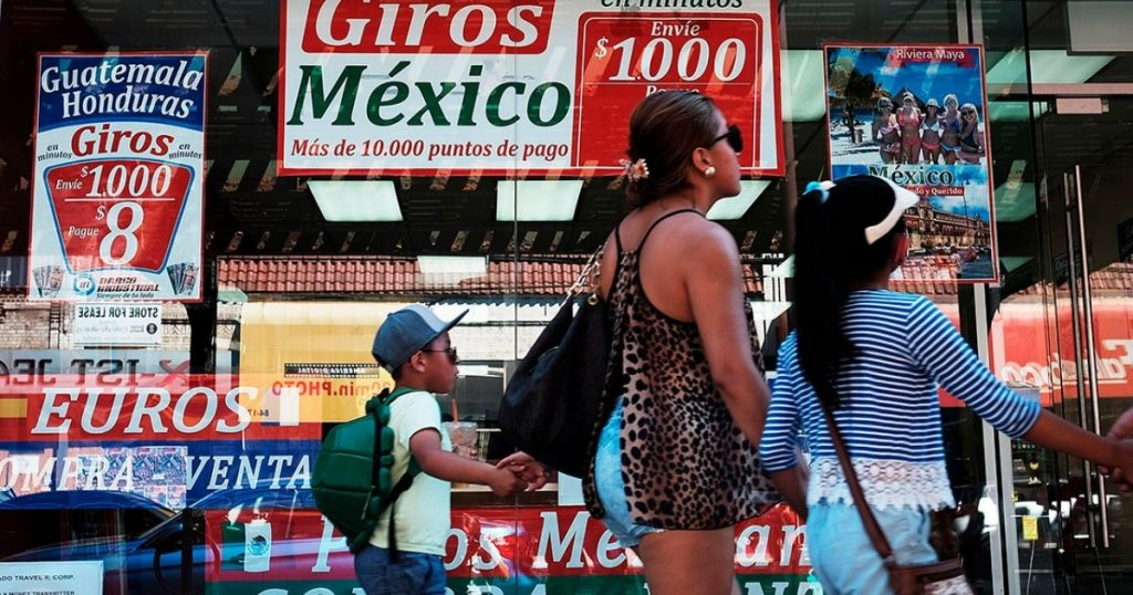 Remittances offset the severity of Mexico's slowdown in the year of the pandemic
