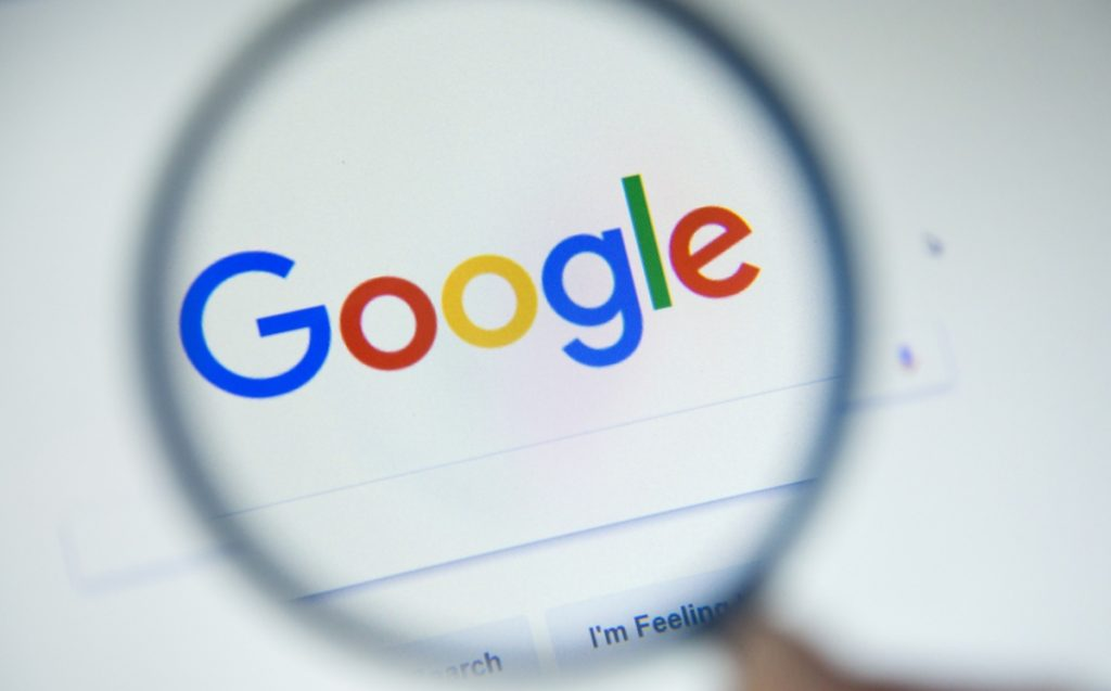 Google is dropping globally.  Users report service crashes