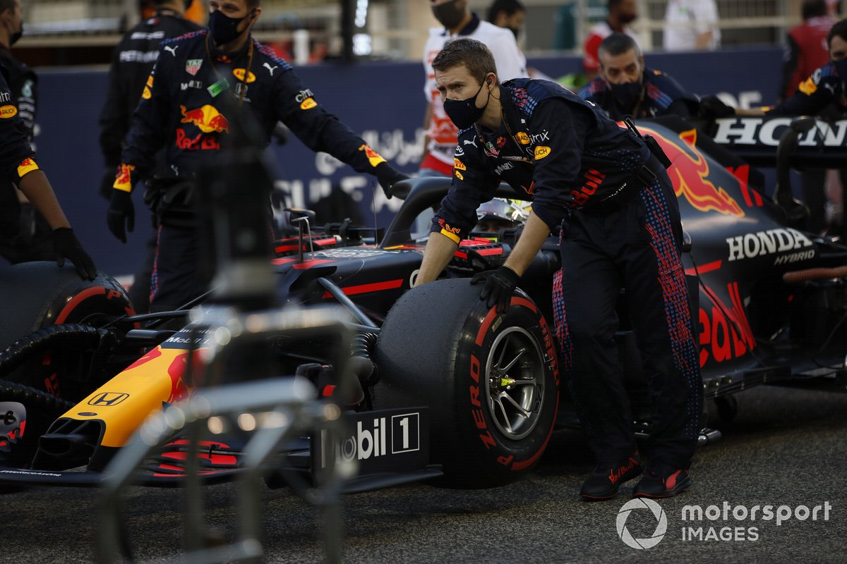 Sergio Perez, Red Bull Racing RB16B, has arrived on the network