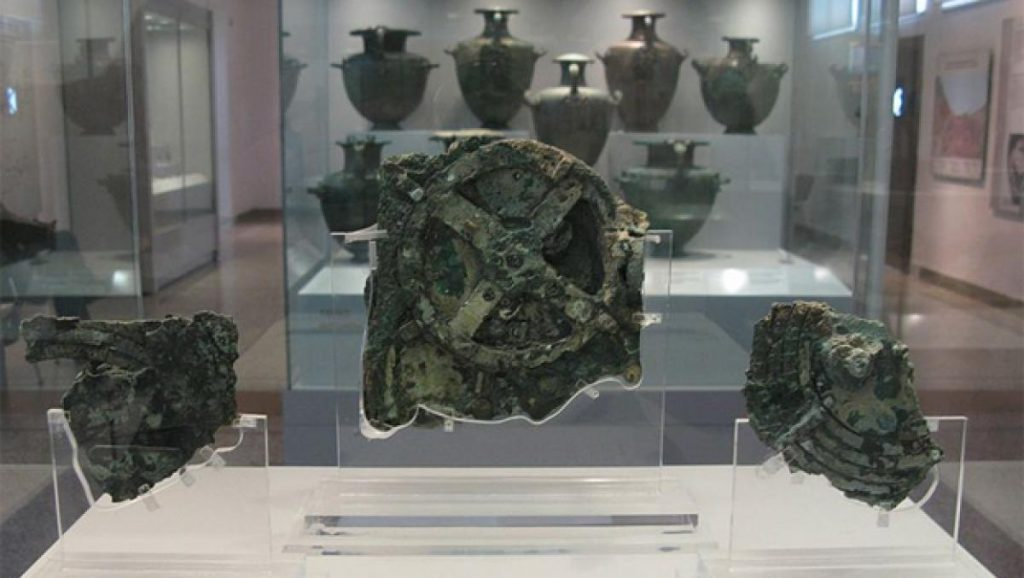 After 2000 years they finally discover what the Antikythera Mechanism is, the world's oldest computer |  Technique