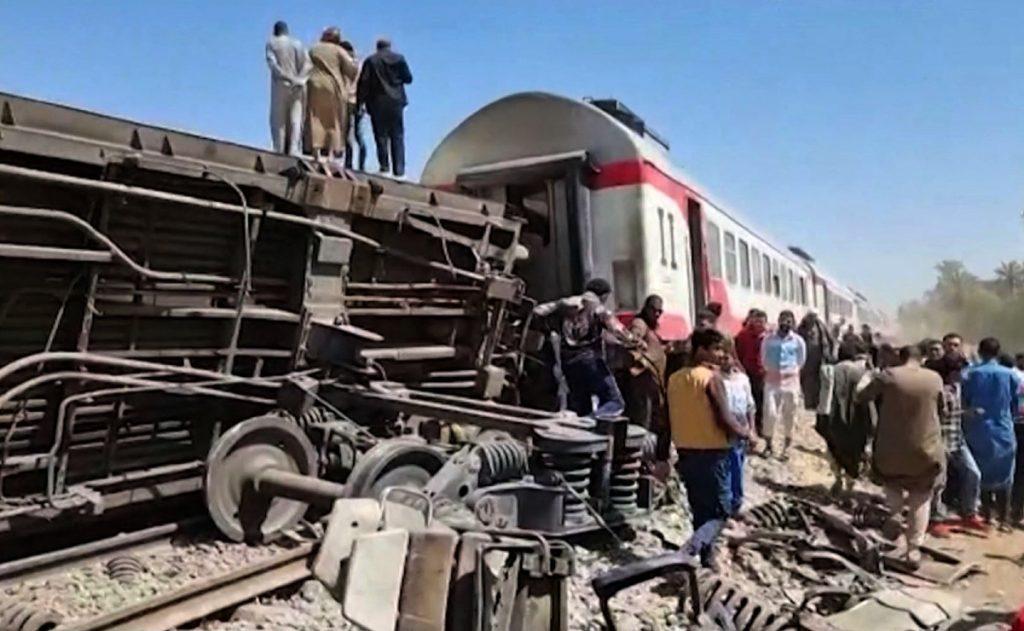 Egipto. Choque de trenes deja al menos 32 muertos y 66 heridos