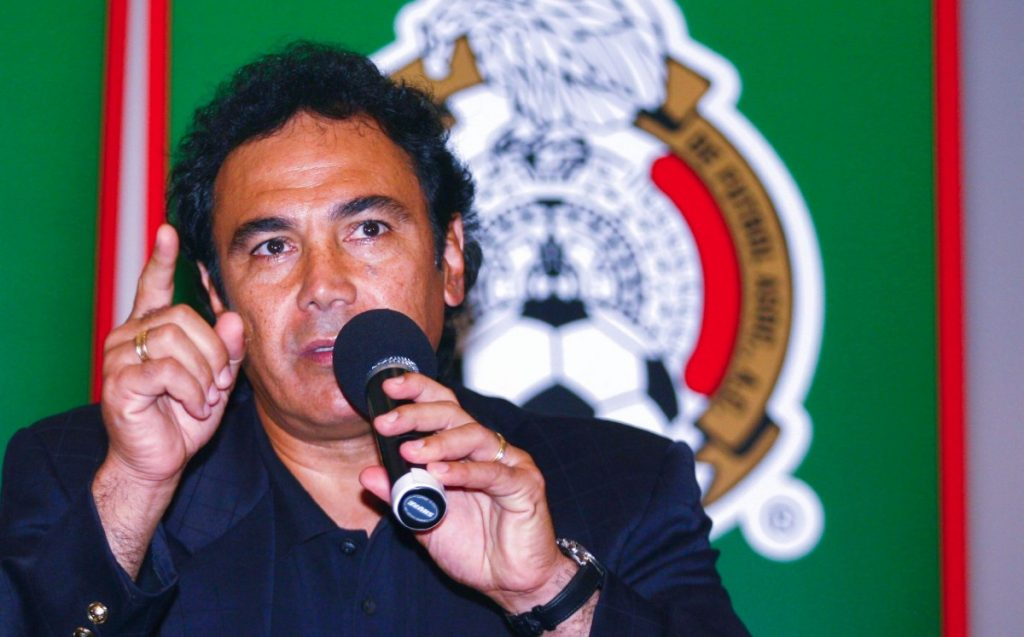 Hugo Sanchez blamed the managers for the pre-Olympic failure in 2008