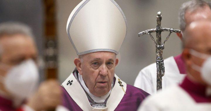 """El papa Francisco advierte que la humanidad podría enfrentar una segunda """"gran inundación"""" causada por el calentamiento global"""