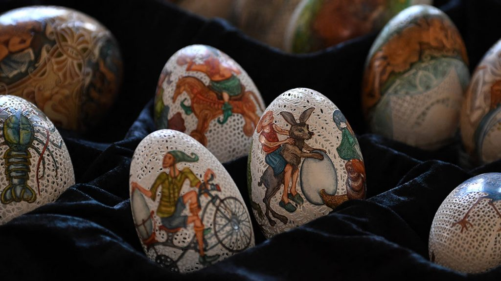 What is the meaning of Easter eggs?