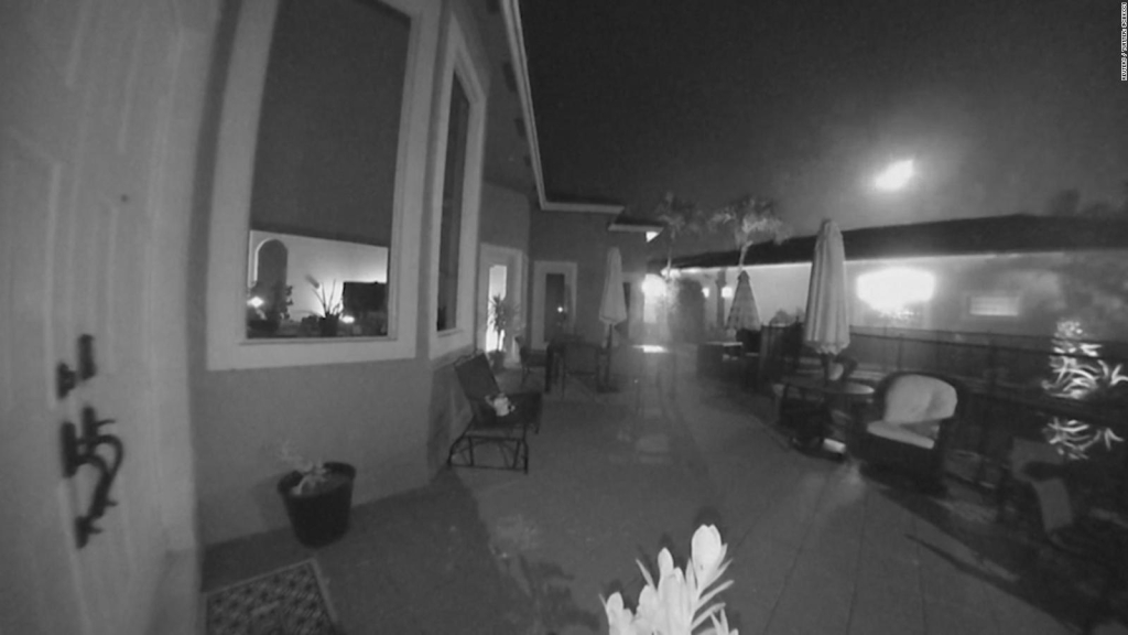 Video of a meteor fall in Florida