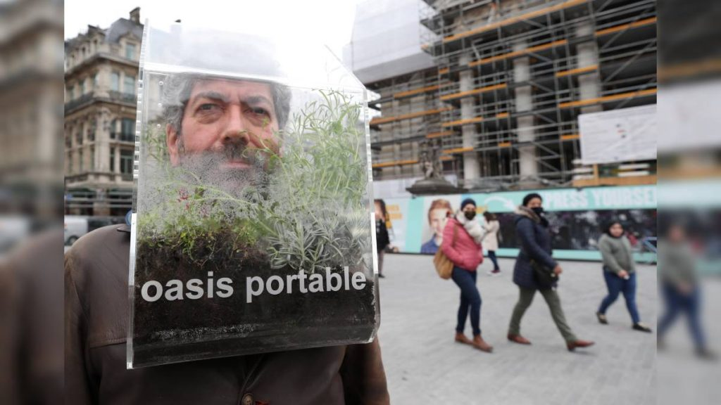 "Alain Verchuren, an artist from Belgium, has created a ""mobile oasis"" in the face of COVID-19"
