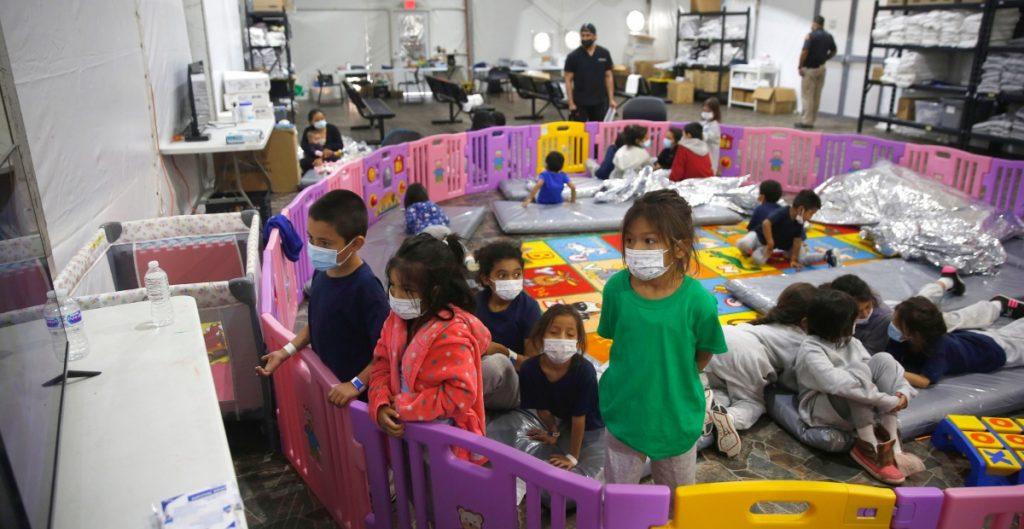 Campamento privado en Nuevo México se prepara para recibir a niños migrantes
