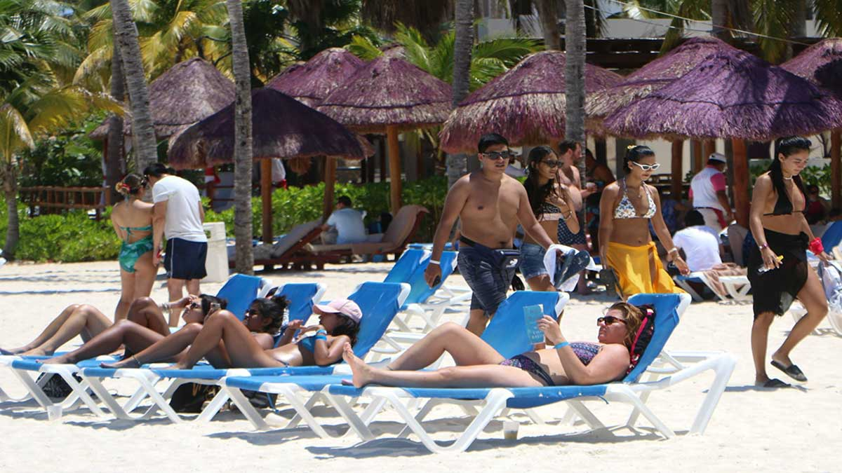 Malta will pay travelers who decide to spend their summer holidays in that country
