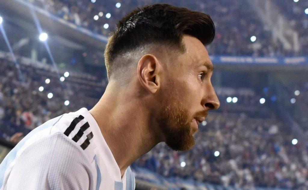 Paris Saint-Germain tempts Lionel Messi into a billionaire contract for two years
