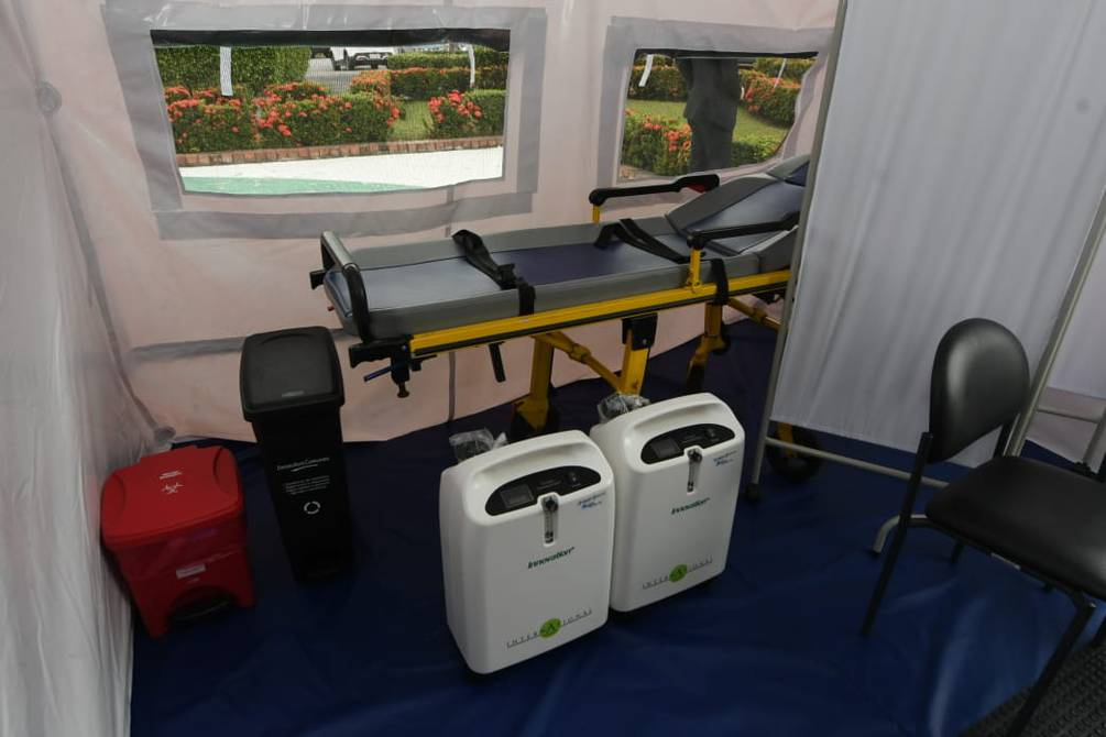 Triage tent with oxygen therapy opened at Luis Vernaza Hospital to care for patients with symptoms of COVID-19 |  Society |  Guayaquil