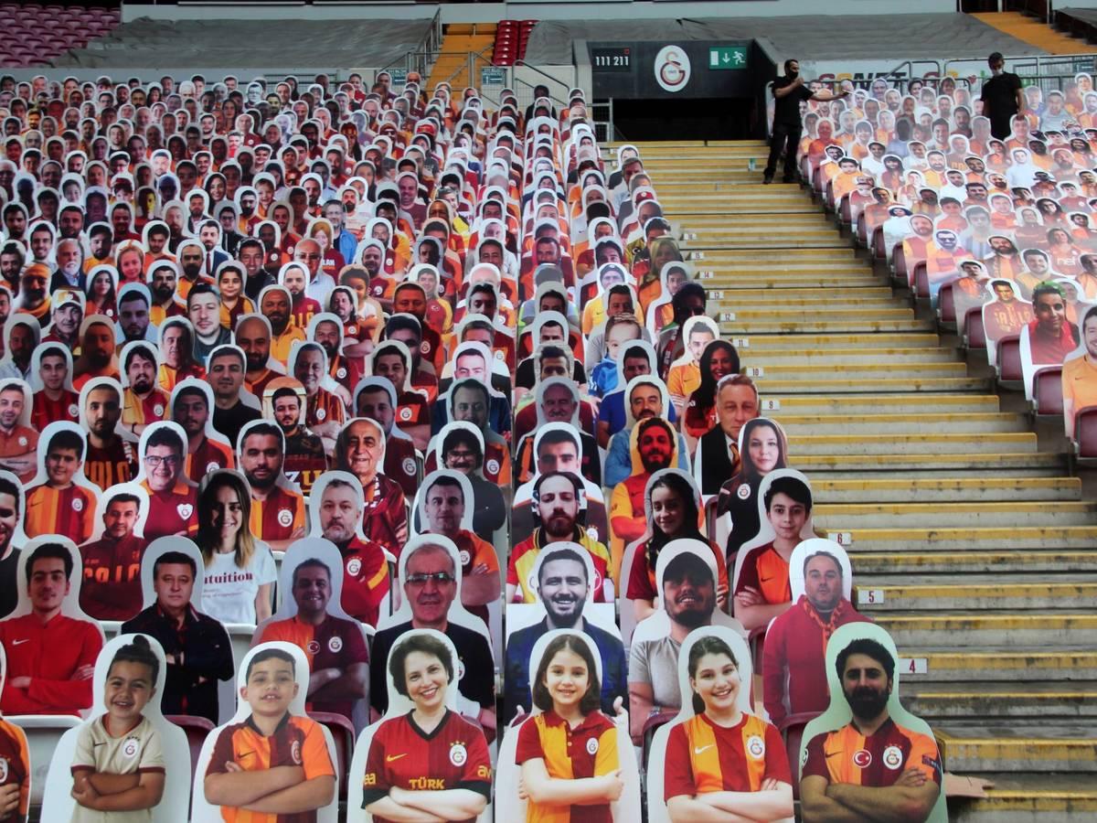Photo: Fan posters in Turkey (Reuters)