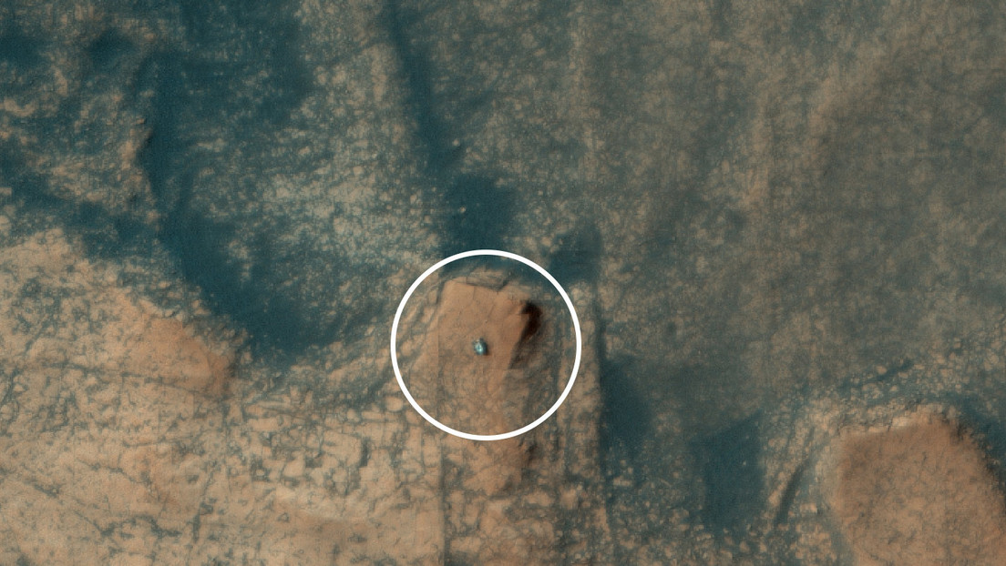 NASA's Curiosity probe was captured from space as it climbed up rock formations on the surface of Mars
