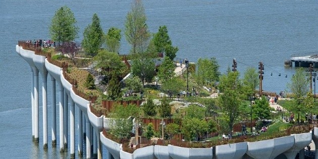 A floating park on the Hudson River, a new Manhattan attraction