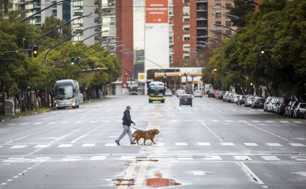 Argentina is entering drastic new restrictions due to the growing wave of Covid-19