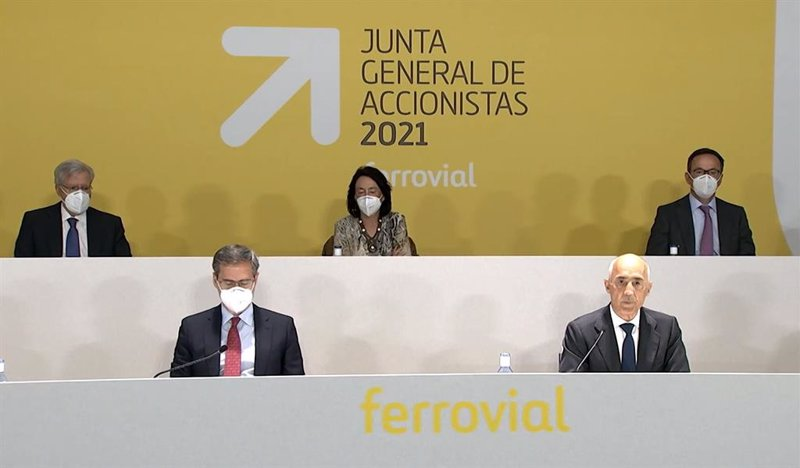 Economy / companies.  Ferrovial cuts its losses to 86 million euros through March