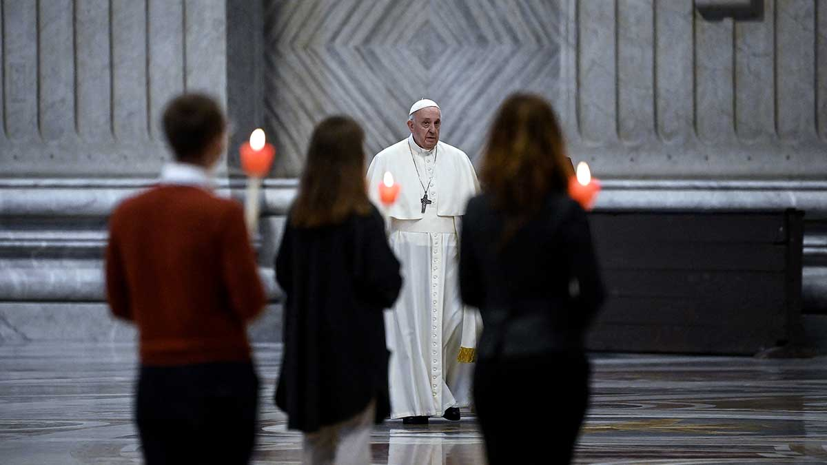 The Supreme Pontiff will close the initiative on May 31 from the Vatican Gardens.  Photo: AFP