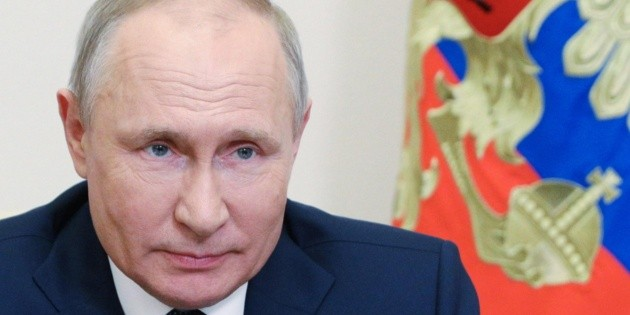 """Putin vows to """"break the teeth"""" of those attacking Russia"""