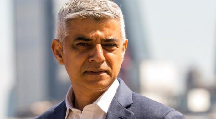 Sadiq Khan proposes to hold the Olympic Games in London.