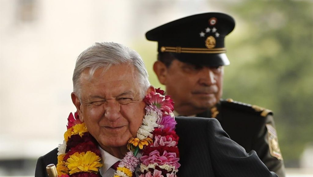 The best president in the world is AMLO, according to a survey given by the same president in the morning