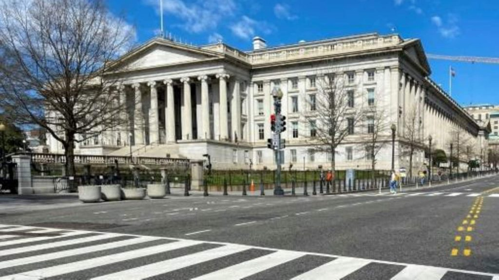 The United States allows some transactions for the Maduro government to fight COVID-19