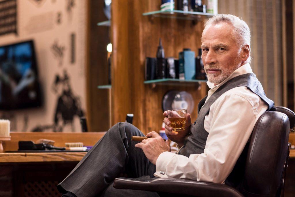 Por estas razones se acabaron los días del CEO todopoderoso con copa en una mano y puro en la otra