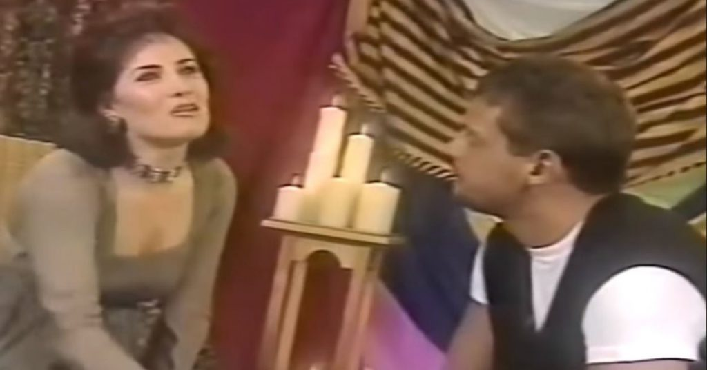 Gloria Calzada confirmed that Luis Miguel did not flirt with her in an interview in 1996