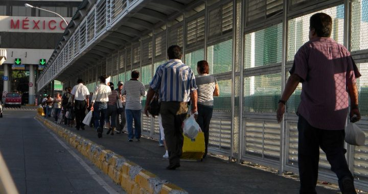 US and Mexico extend border restrictions on non-essential travel until July 21 - El Financiero