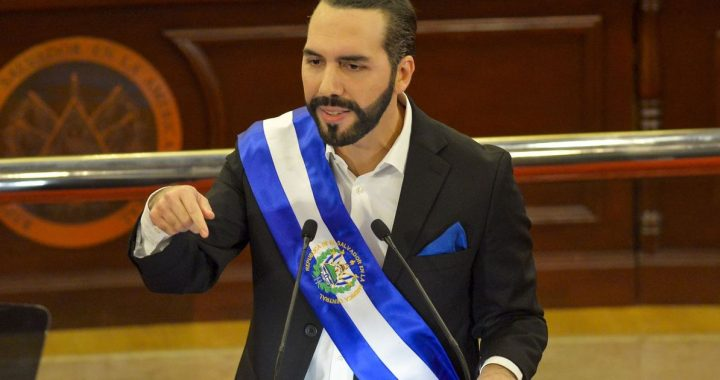 """Very Innovative and Everything ... But Bitcoin Approval Can Be """"Expensive"""" for El Salvador - El Financiero"""