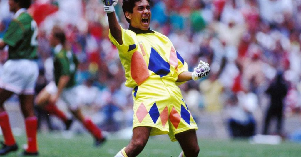 Who is Jorge Campos, the exceptional Mexican goalkeeper who has never played in Europe