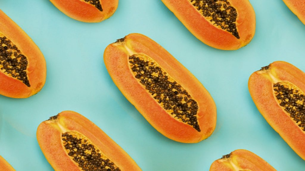 How can papaya seeds help you detoxify the liver?
