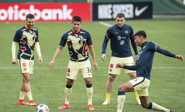 America recalls two soccer players in their friendly match against the Tigres