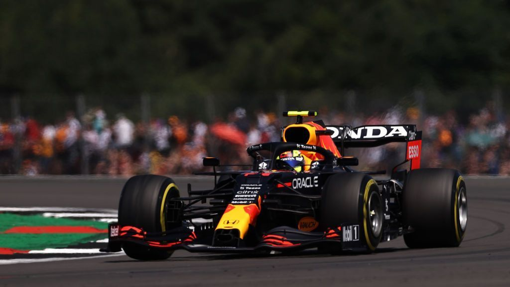 Checo Pérez finished fifth in second practice.  Dominoes Verstappen