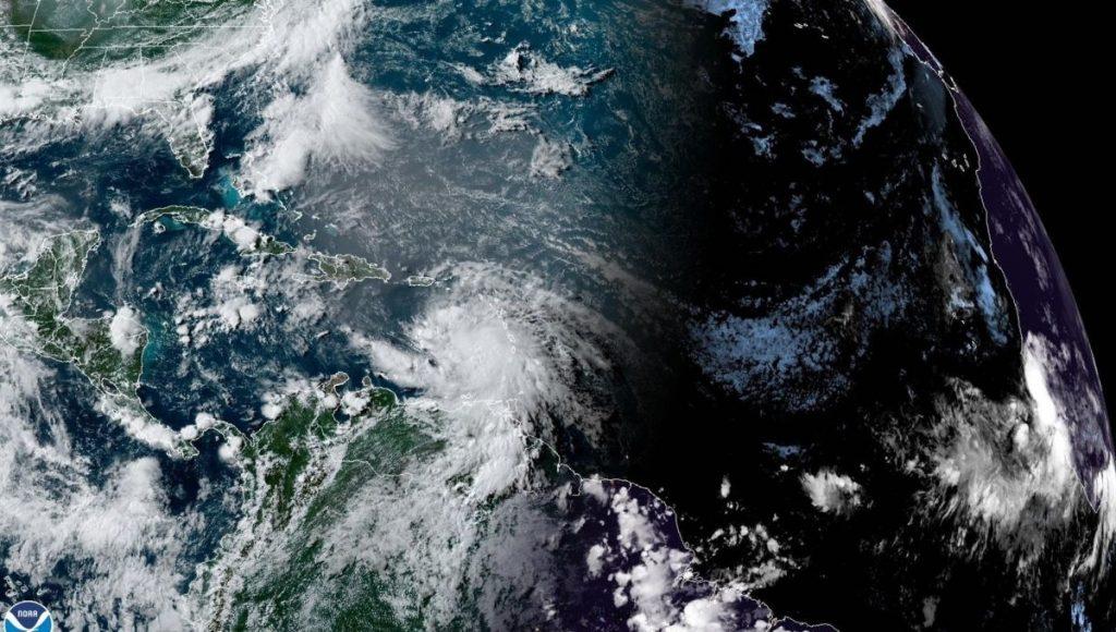 Elsa leaves severe damage in Barbados, San Cristobal approaches the Dominican Republic as a tropical storm - Radio Fórmula