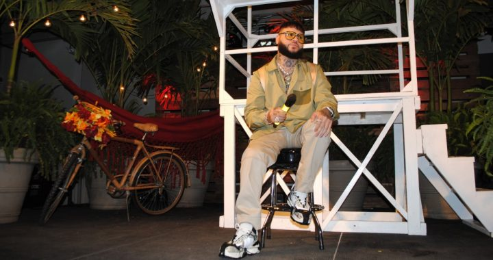 Farruko returns to the past to prepare for his first major tour in the United States