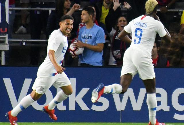 The United States and Canada qualified for the Gold Cup quarter-finals