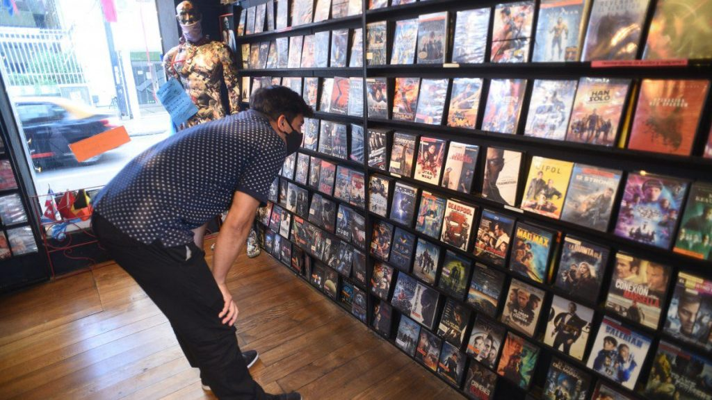 Rosario's last two video stores are still fighting Netflix