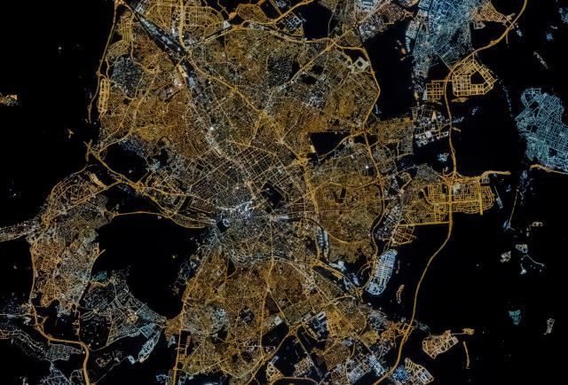 Astronaut photos are 300 times more powerful than satellite photos