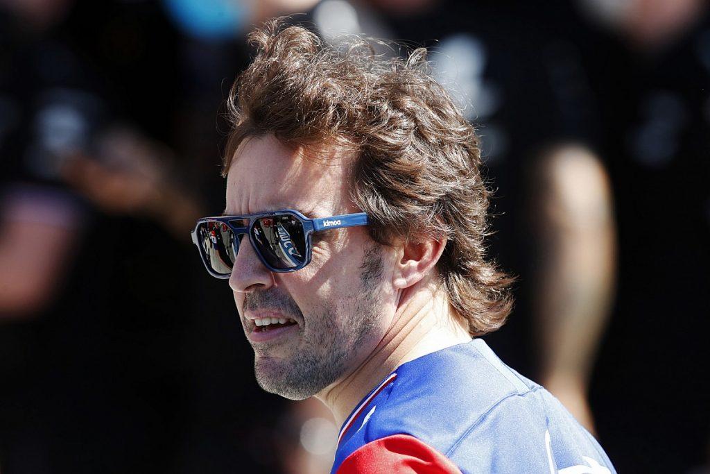 """Alonso apunta contra la """"preferencia británica"""" en la Fórmula 1"""