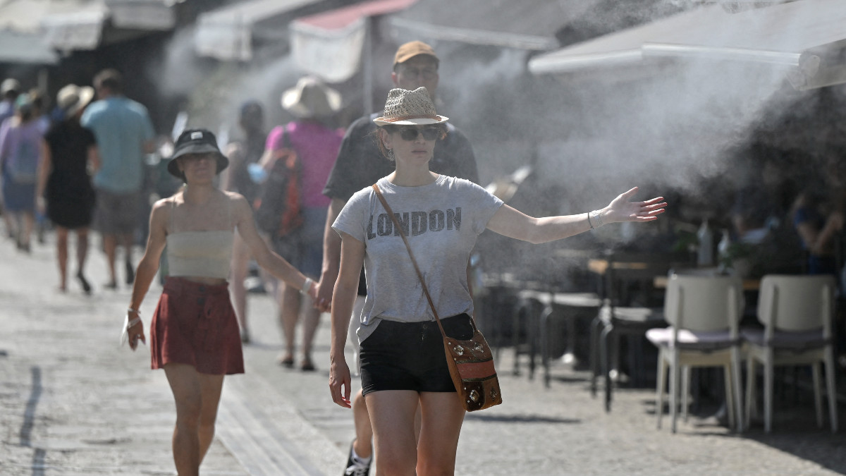 Scientists believe that heat waves are an unequivocal effect on global warming.  Photo: AFP