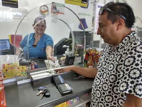Las remesas se han incrementado luego de que los mexicanos en Estados Unidos recuperaron sus empleos e incluso perciben mejores salarios.